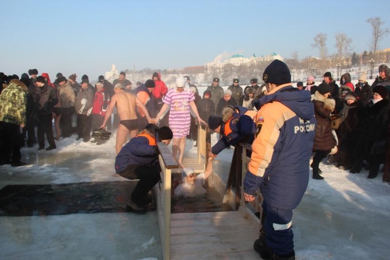 Проведение крещенских купаний пройдёт под надзором спасательных служб и подразделений РСЧС (комментарий, памятка)