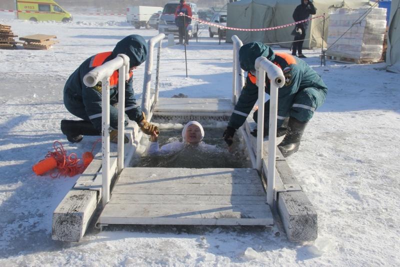 Крещенские купания в Хабаровском крае проходят без происшествий